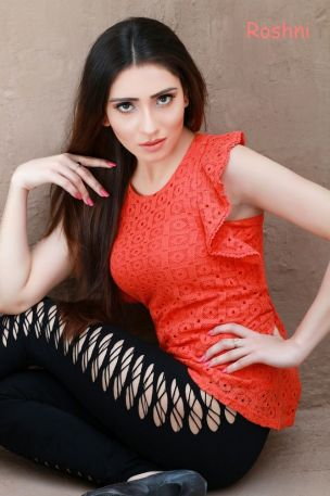 Model Roashni-Dubai Escorts